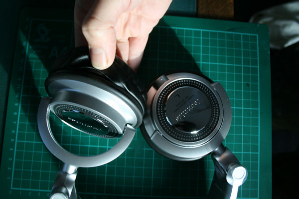 Detaching the technics rp-dh1200 earpad