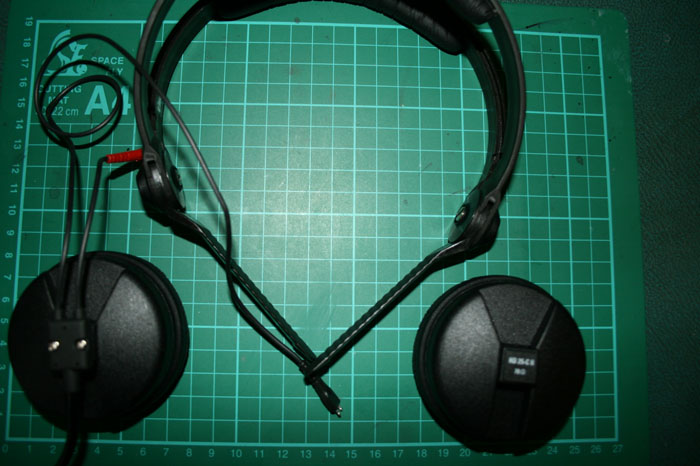 removing left earcup